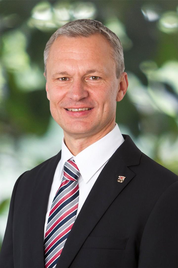 Der Bürgermeister Dr. Georg Ludwig